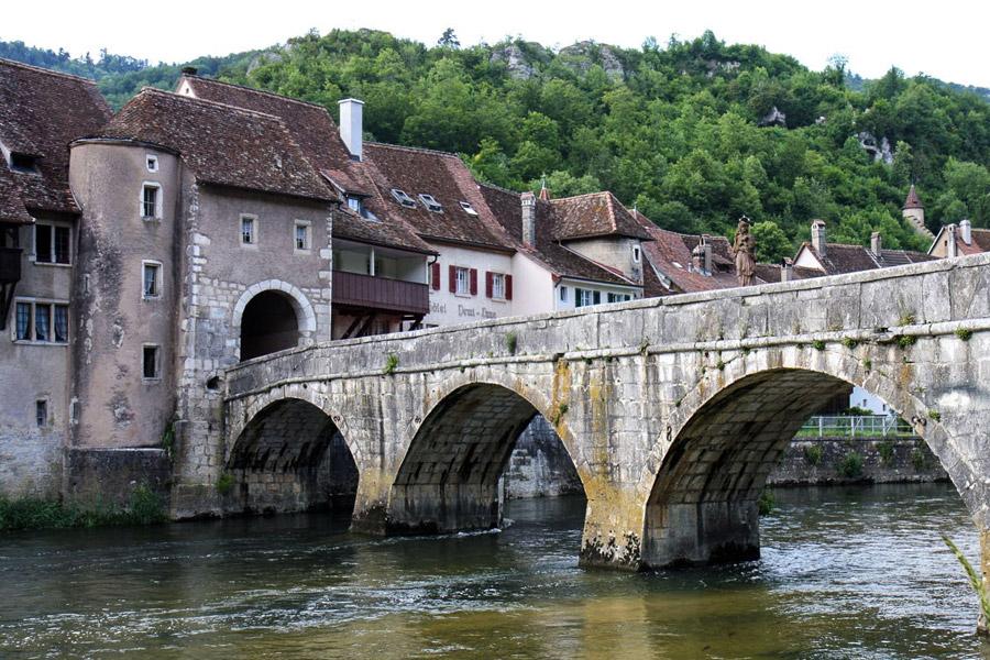 Un pont sur le Doubs à St Ursanne