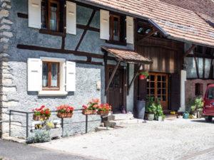 Lutter compte de très anciennes maisons de pierre
