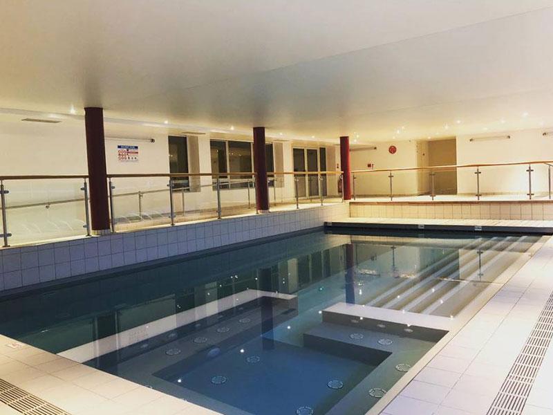 piscine intérieure du chalet des Rousses