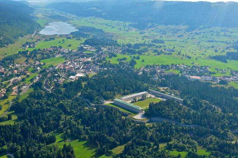 Le village des Rousses et son fort